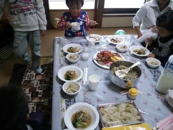 食べてるところ.JPGのサムネイル画像